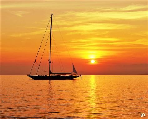Sunset Sailing Konvex3